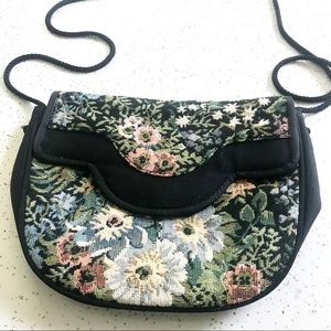 Vintage 90's floral tapestry crossbody purse